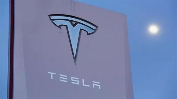 特斯拉纯电动卡车Semi将于9月28日发布